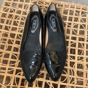 TODS patent leather loafer